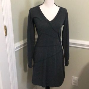 Athleta gray long sleeved dress size Small